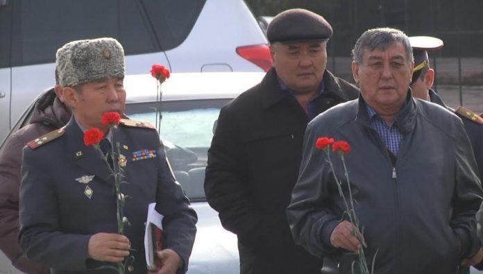 Возложение цветов в Шымкенте