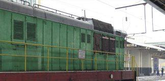 Пассажирский поезд сбил человека в Шымкенте