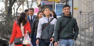 Жасотановец накормил жителей Шымкента 25 кг плова