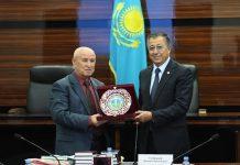 Жансеит Туймебаев встретился с делегацией Республики Узбекистан