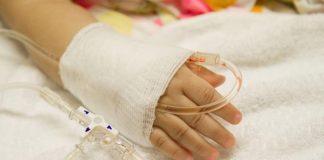 Швейные иглы в голове и кислота в меню: Малышку из ЮКО убивали в течение трех лет