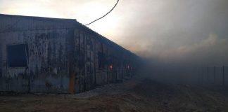 Сгорело общежитие на Карабатане