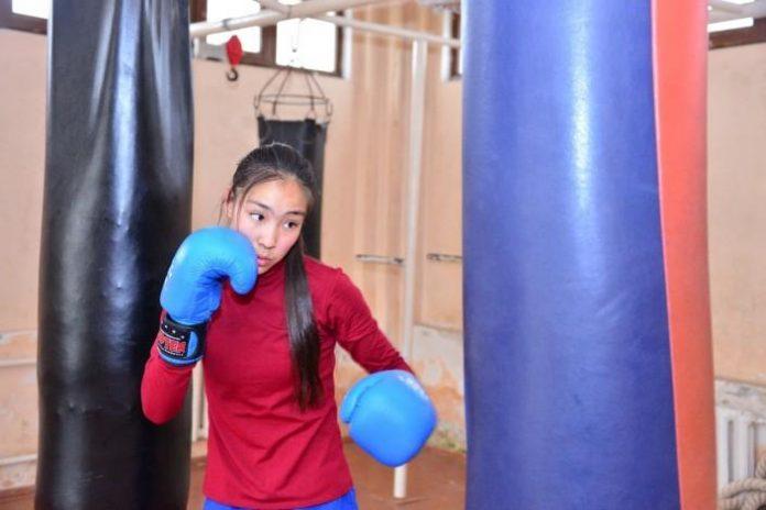 Юная боксерша из ЮКО поделилась, почему она кинулась на свою соперницу во время юниорского поединка