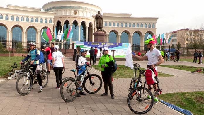 Исторический момент: велопутешествие из Ташкента в Шымкент