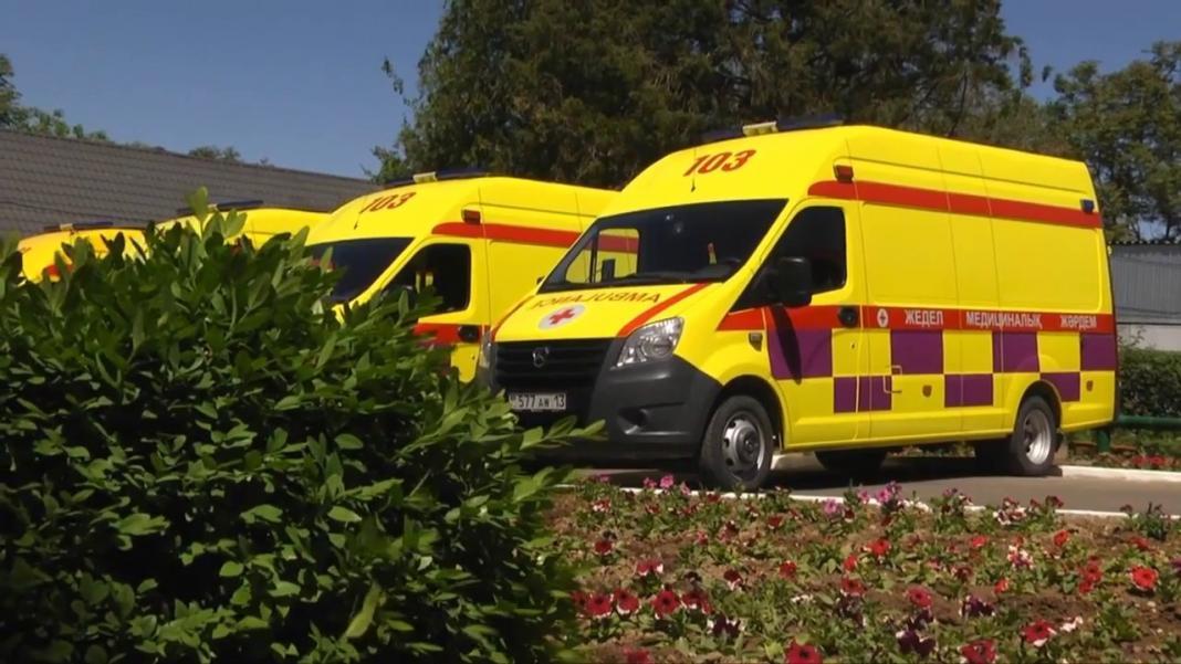 Кареты скорой помощи в Шымкенте окрасили в желтый цвет
