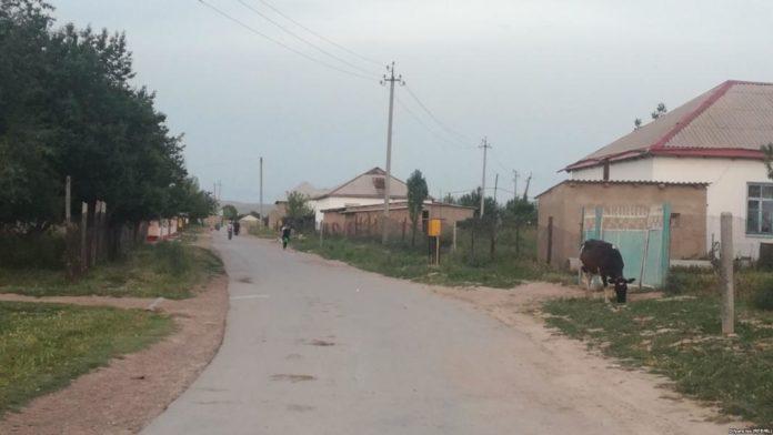 Асфальтированная улица в приграничном селе Багыс