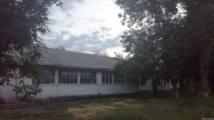 Здание школы в селе Багыс
