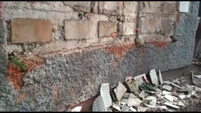 В Шымкенте разрушен памятник фронтовикам-заводчанам на территории ШСЗ