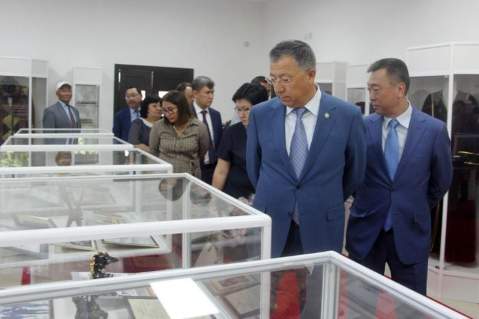 новое здание музея «Ерлік»