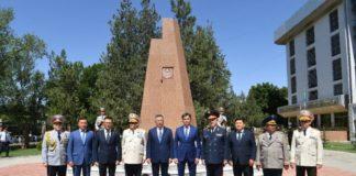 В Шымкенте к 26-летию казахстанской полиции открыли памятник