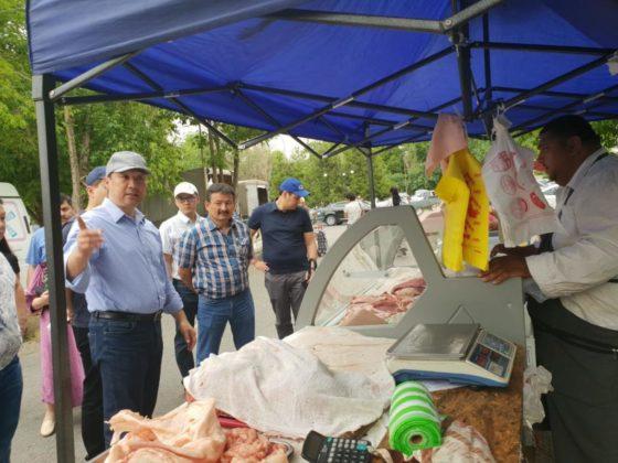 Нурлан Сауранбаев на ярмарке