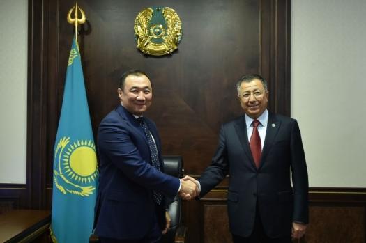 Н. Сауранбаев и Ж. Туймебаев
