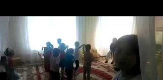 Отдел образования проверяет видео из детского сада с воспитательницей, наказывающей ребенка