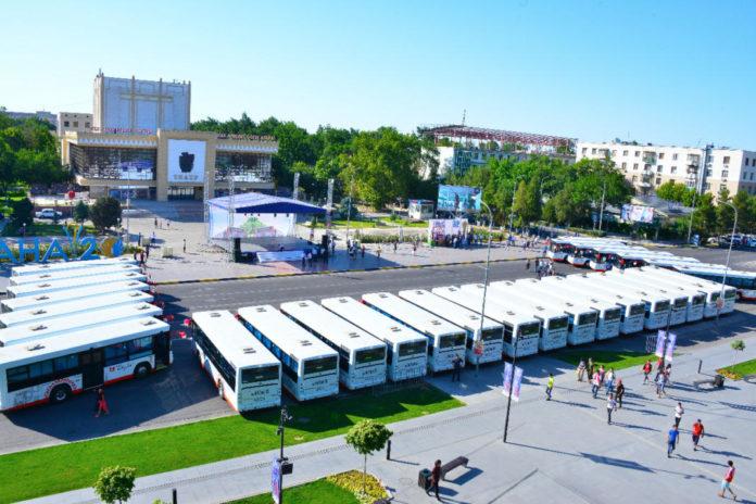 30 автобусов, которые будут обслуживать три социально-значимых маршрута, презентовали в Шымкенте