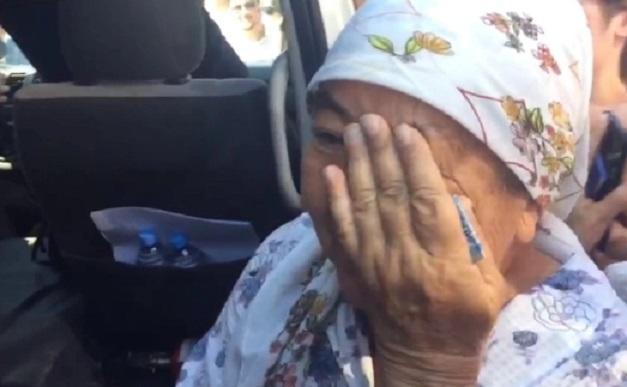 женщина расплакалась узнав, что Туйембаев покидает Шымкент