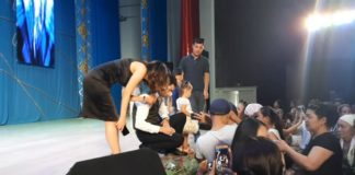Популярный певец Торегали Тореали выступил на благотворительном концерте в Шымкенте