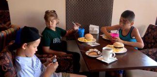 В Atlas Family провели благотворительный праздник для особенных детишек