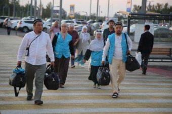 казахстанские паломники возвращаются домой