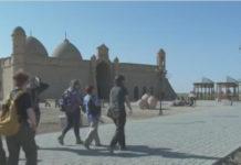 Студенты из Лондона прибыли изучать исторические объекты Южного Казахстана