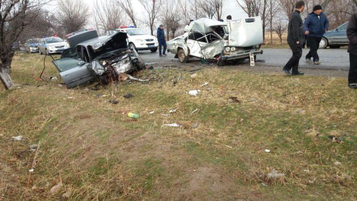 В результате ДТП в Сайрамском районе погибли три человека