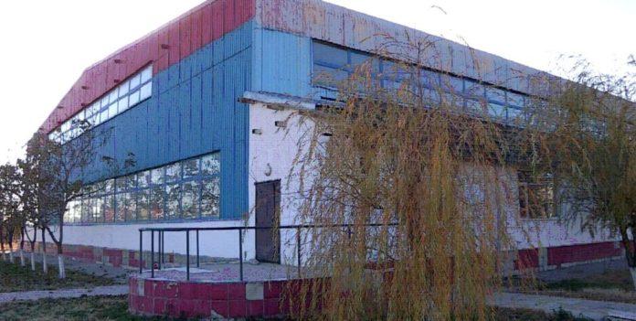 Здание спортивного комплекса им. Бекзата Саттарханова стоит без ремонта