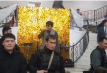 певец спел среди вооруженных людей