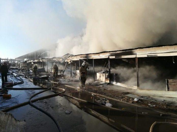 Бутики с одеждой загорелись в Таразе