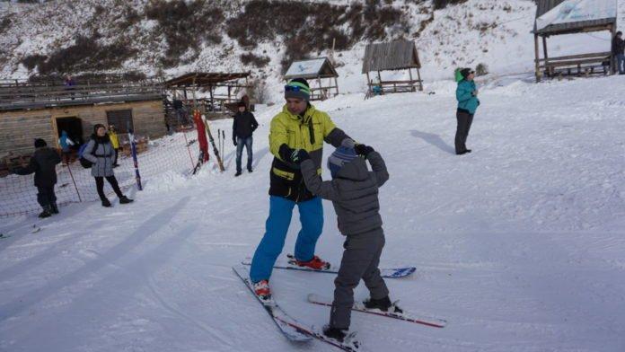 Адаптивное катание на горных лыжах и сноуборде