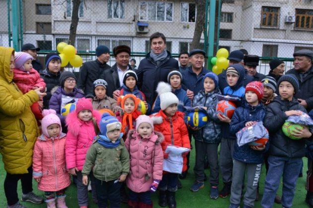 В Шымкенте открыли новые спортивные и детские игровые площадки