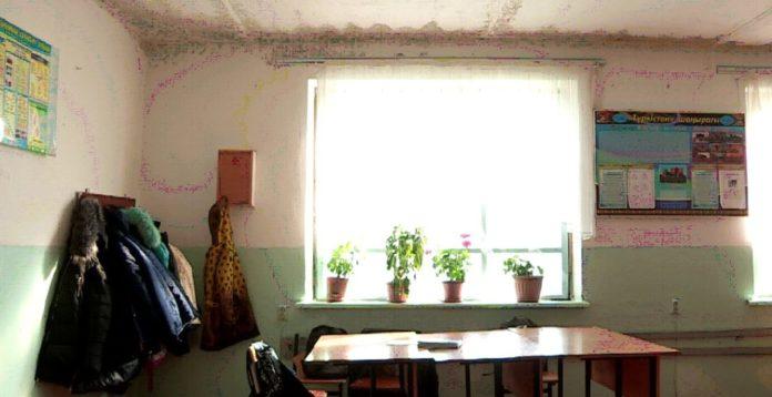 Отапливаемая углем школа с цементном полом есть в Туркестанской области (ВИДЕО)
