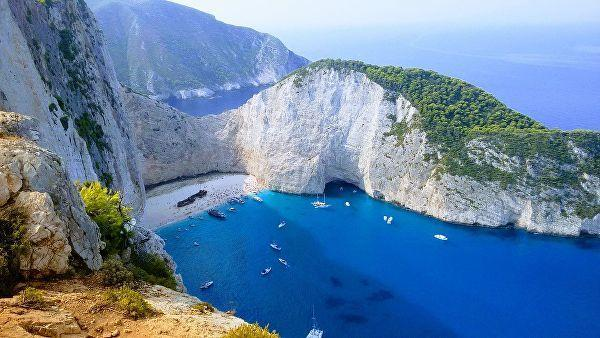 пляж Navagio на греческом острове Закинф