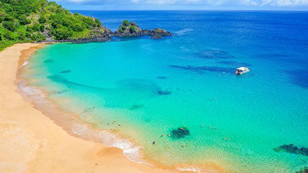Praia do Sancho, расположенный на бразильском острове Фернандо-де-Норонья