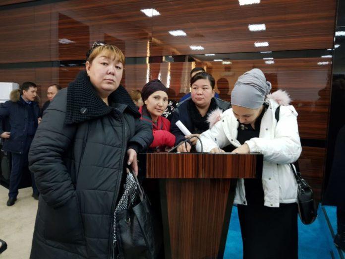 В акимате Шымкента проходит встреча с многодетными матерями