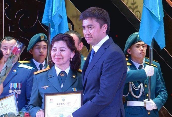 Габидулла Абдрахимов поздравил защитников Отечества с праздником
