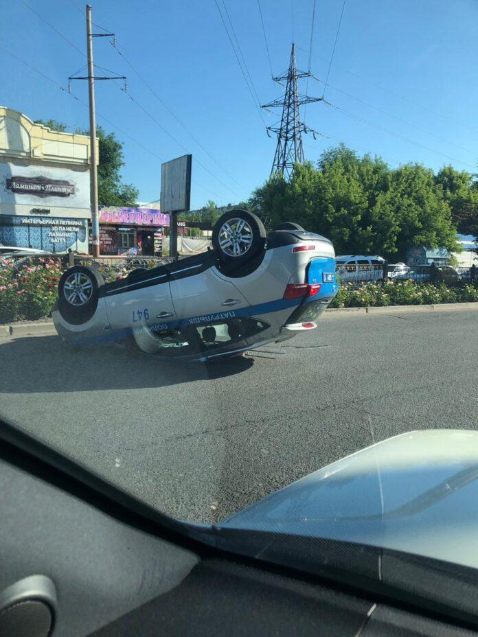 ДТП с участием полицейского спецавтотранспорта произошло в Шымкенте