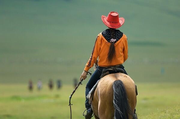 девочка на коне