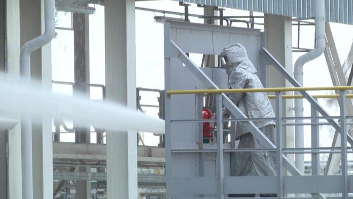 На нефтеперерабатывающем заводе прошли пожарно-тактические учения