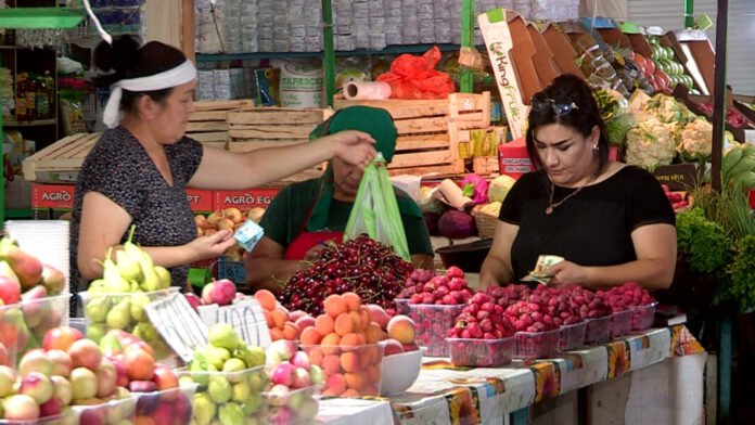 Базар. Овощи-фрукты