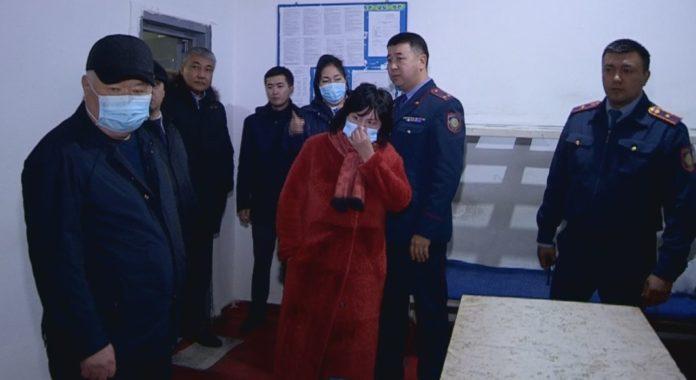 Чиновников Туркестанской области доставили в СИЗО