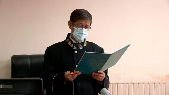 Момбек Амирбеков, судья