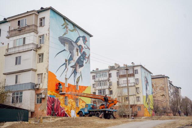 Рисунки на фасадах домов