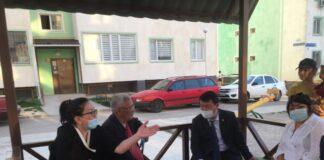 Аким Каратауского района Шымкента Абзал Аликулов встретился с жителями многоэтажного дома...